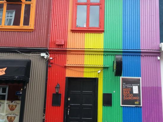 Kiki Queer Bar: Let's have a kiki