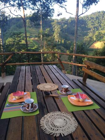 Waterfalls Homestay: Lovey place, lovely hosts, make great food!!!