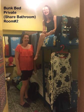 Tid Tarad Hostel Hua Hin: Bunk bed (for Two) share bathroom