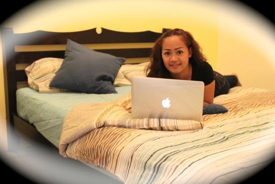 Tid Tarad Hostel Hua Hin: Double Bed Private bathroom