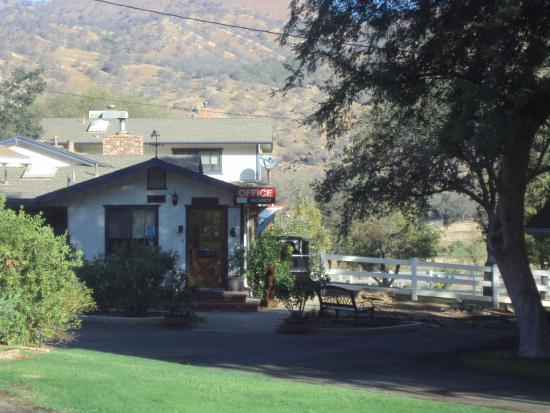 Lazy J Ranch-Americas Best Value Inn: Office