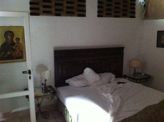 B&B Countryhouse Suites & Apt. Vescovado: la camera da letto piu triste mai dormito