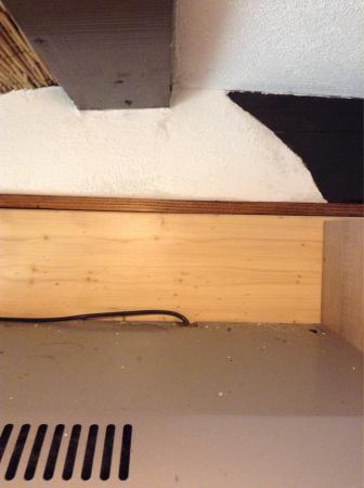 Garni Pension Pibernik : Dreckiges Hotel, überall Spinnen und Spinnennetze ausserdem Schimmel an der Wänden