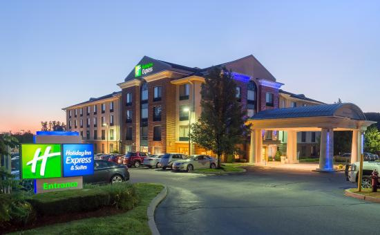 Holiday Inn Express Auburn: Holiday Inn Express and Suites, Auburn, Massachusetts