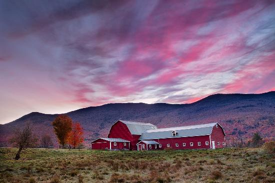Barn Sunset | Vermont Tourism