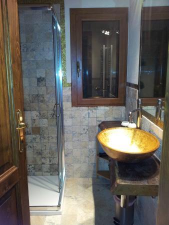 Il Poggetto delle Spighe: La moderna toilette