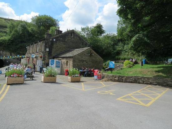 Standedge Tunnel & Visitor Centre: place to eat..