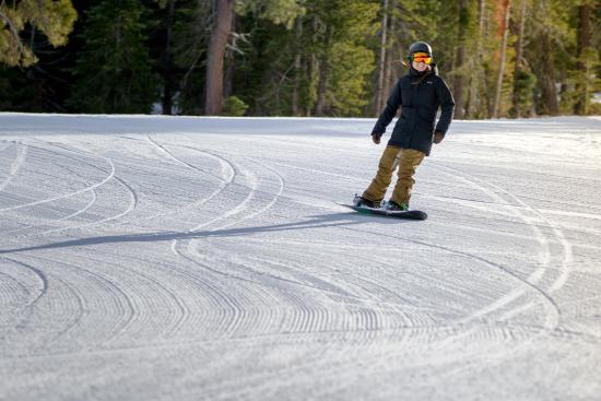 Ski Lake Tahoe: Snowboarding Lake Tahoe