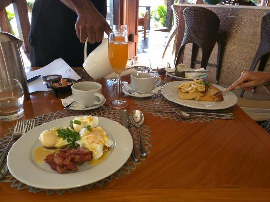 Vanua Levu, Fiji: Breakfast! (eggs benedict and the french toast with bananas)