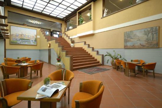Hotel delta florence desde calenzano italia for Interno 3 calenzano