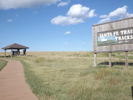 Santa Fe Trail Tracks: onward