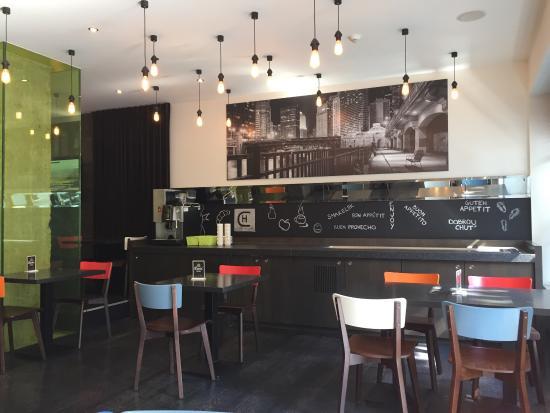 Photo of Bar Louis' Burgers and More at Graanmarkt 6, Kortrijk 8500, Belgium