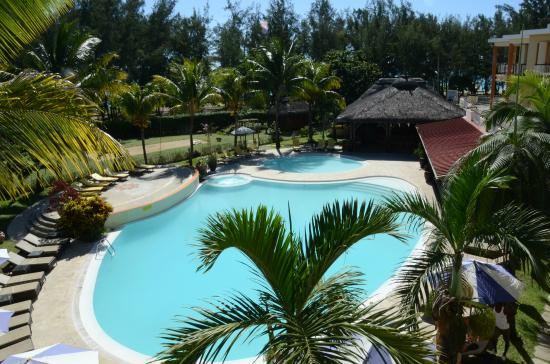 Tarisa Resort & Spa: swimming pool and jacuzzi