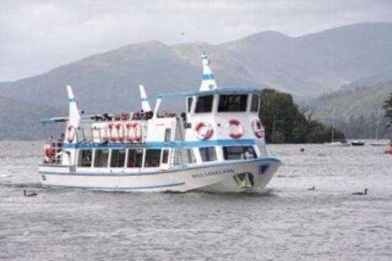 Bowness-on-Windermere, UK: Peaceful cruise ...