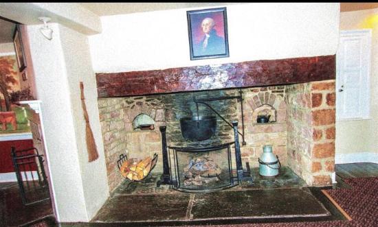 The Temperance House Inn: Dining Room