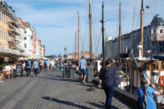 Nyhavn: Boats