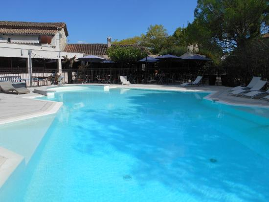 Auberge Cigaloise : La piscina