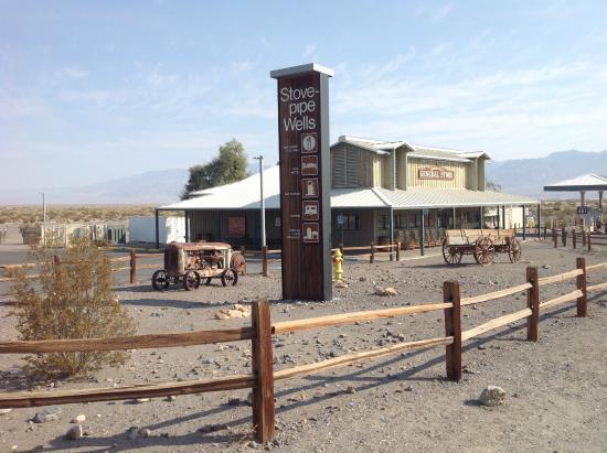 Stovepipe Wells Hotel