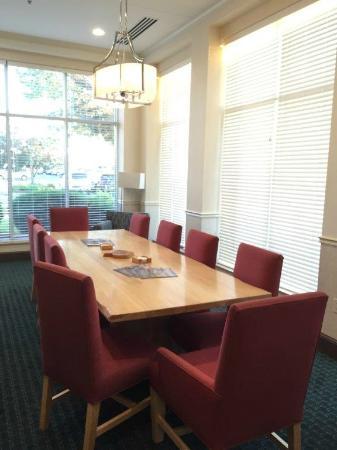 Hilton Garden Inn Appleton Kimberly: Restaurant Amazing Ideas