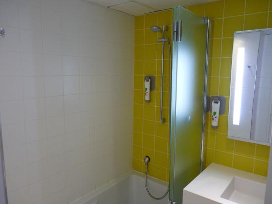 łazienka picture of ibis styles porte d orleans montrouge tripadvisor