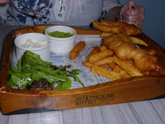 The Boathouse Bistro Dromquinna Manor: Best fish and chips ever !!