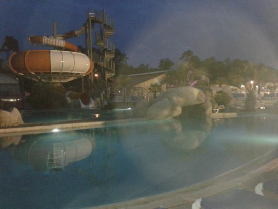 Piscine nocturne le mercredi soir jusque 22h picture of for Camping blonville sur mer avec piscine
