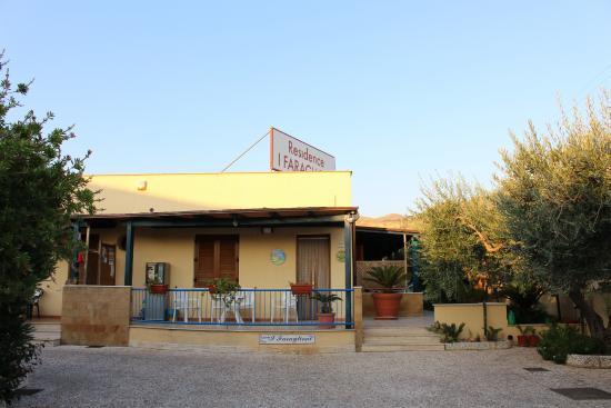 Residence I Faraglioni: reception