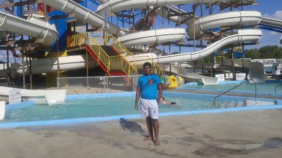 Wild Rapids Water Slide Park