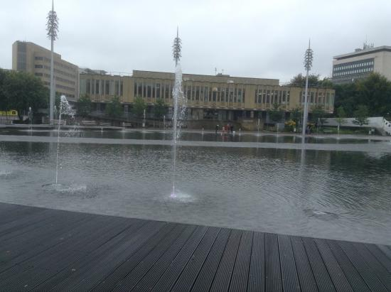 Bradford, UK: Fountain mid flow