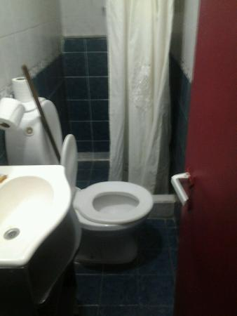 Hostel Empedrado: Baño