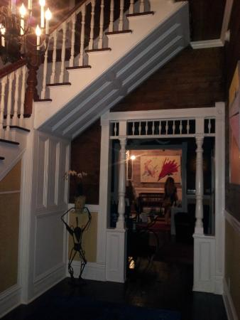 Key West Bed and Breakfast: Foyer leading in to check-in desk