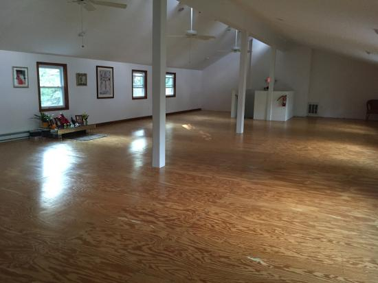Ananda Ashram- Yoga Society of New York : Places in the Ashram are quiet and peaceful for the seeker of meditative introspection, to recon