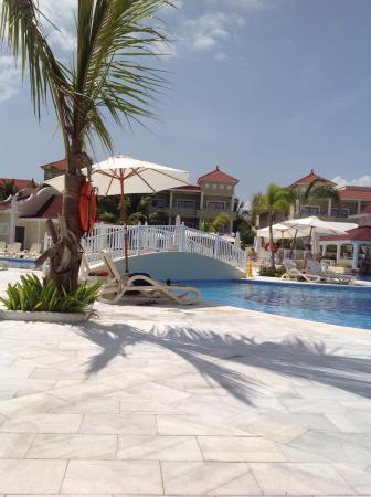 Luxury Bahia Principe Ambar: Pool area