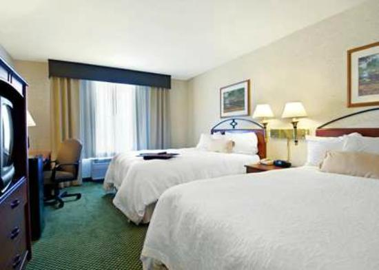Hampton Inn Salt Lake City Central : Two Queen Beds with Large Work Desk