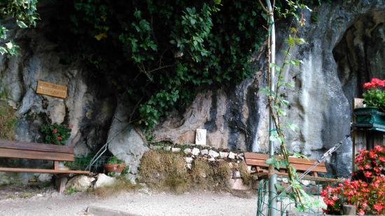 Percorso Natura: grotta della madonna