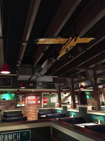 Locals Pub and Pizzeria