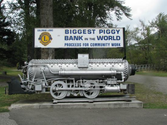 Coleman, Canadá: Worlds Largest Piggy Bank