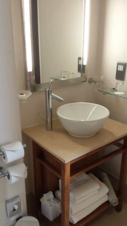 The Cavendish London: Bathroom