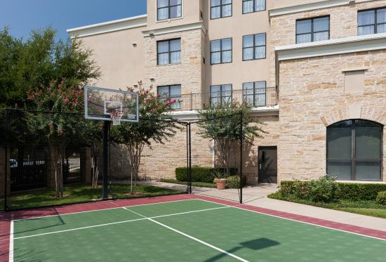Residence Inn by Marriott Fort Worth Cultural District: Sport Court