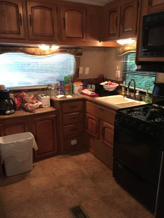 Country Bumpkins Campground and Cabins: Trailer #1 Kitchen