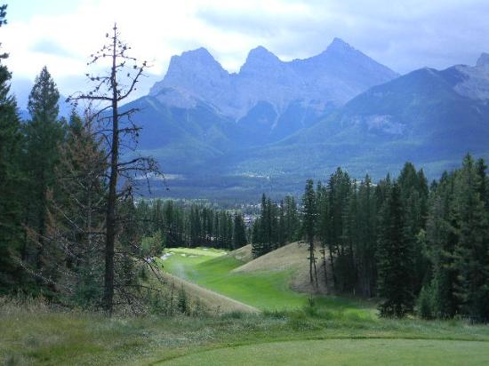 Silvertip Resort: Silvertip and the 3 Sisters