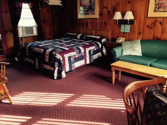 Littleton Motel: Room #9