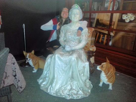 Fox & Hounds Country Inn : Meeting the Queen