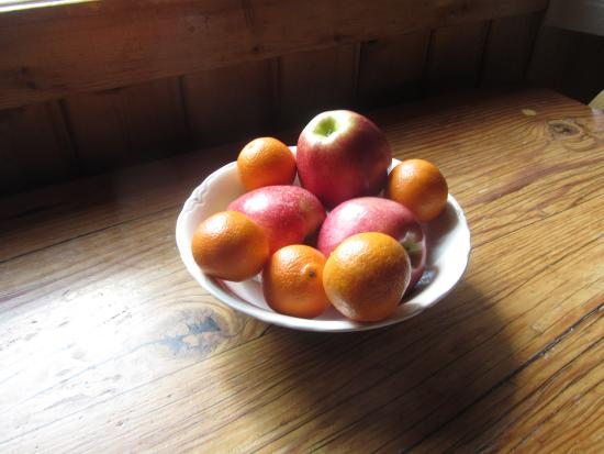 Idlewilde by the River: Bowl of fruit