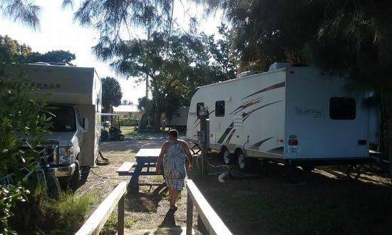 Sunset Isle RV Park & Motel: Campsite