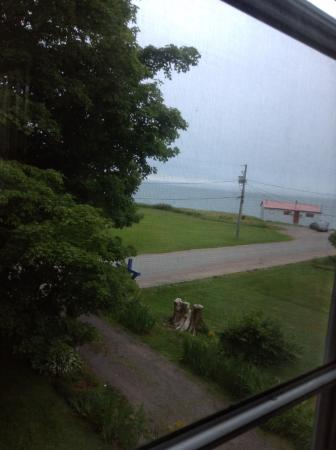 Tidal Watch Inn: View of Bay of Fundy
