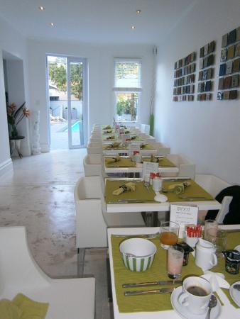 2Inn1  Kensington: Beautiful breakfast room
