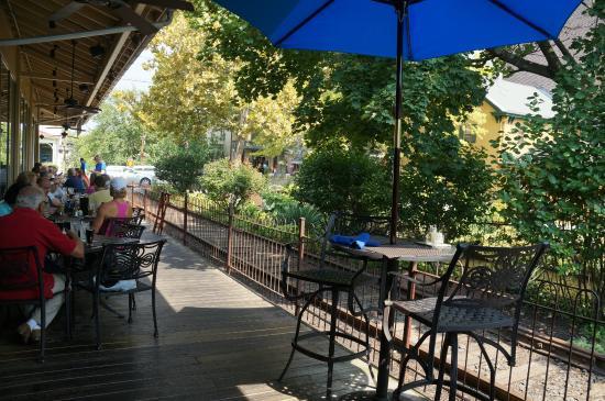 Lambertville, Nueva Jersey: Canal Side Bar