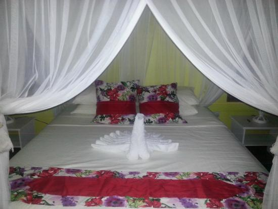 Belmont, Bequia: King=sized bed with mosquito nets