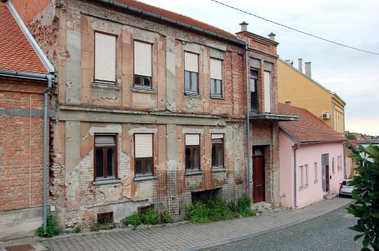 Vukovar, Croacia: Damaged buildings